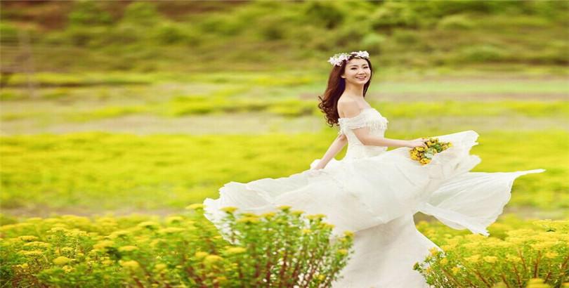 穿着最美婚纱嫁给最爱的人